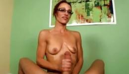 Unbelievable sex on the leather couch between hot partners